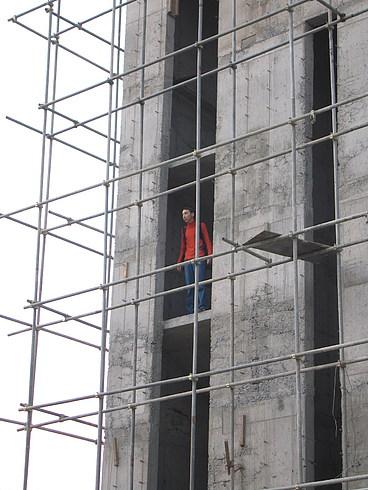 Ильдар - промышленный альпинист:)