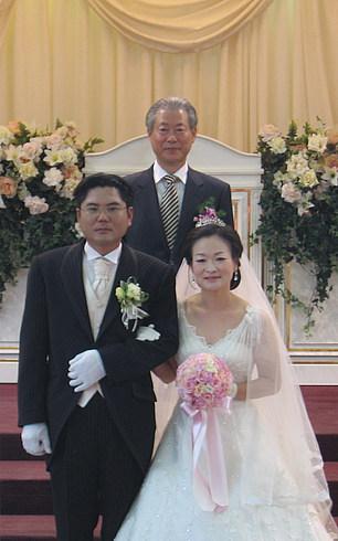Фотография с ведущим церемонии (профессором КУТ)