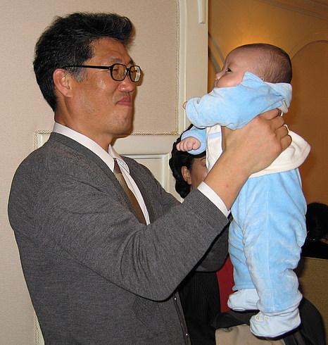 Учитель с малышом