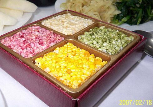 Корейские новогодние рисовые печеньки