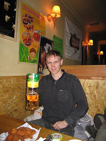 Именинник с пивом и ананасами:)