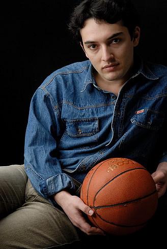 Халис - баскетболист. А мы и не знали:)